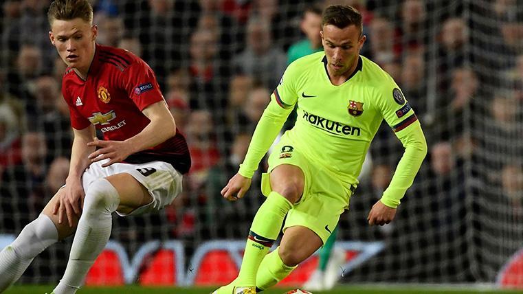 Valverde decidió cambiar a Arthur y Coutinho cuando mejor estaban jugando