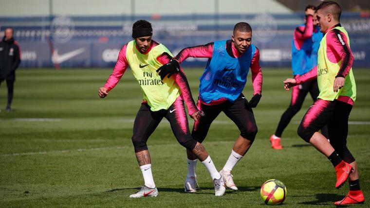 Neymar vuelve a entrenar con el PSG y ya se apunta a una fecha para su reaparición