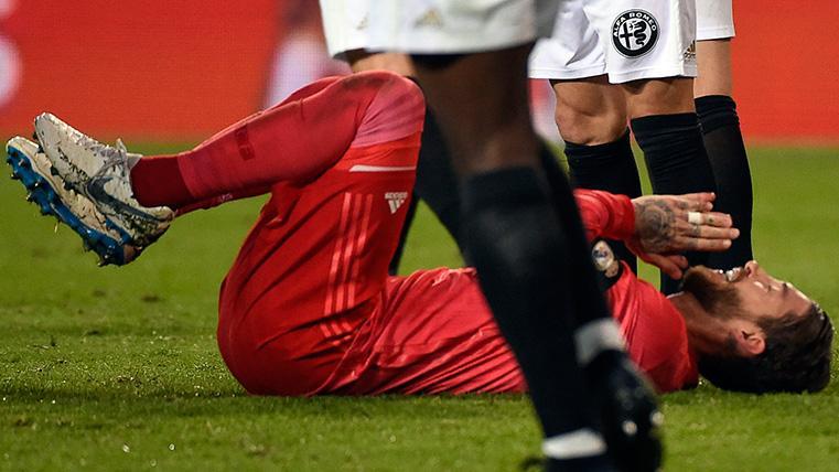 Sergio Ramos se lamenta de una ocasión fallada contra el Valencia