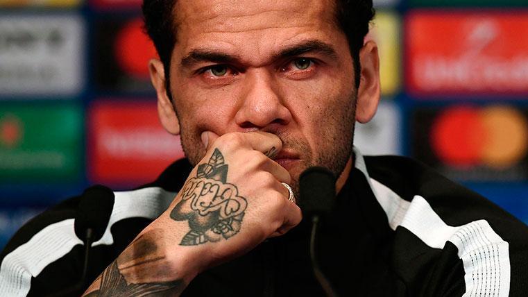 El Sevilla estaría pensando en repescar a Dani Alves en verano