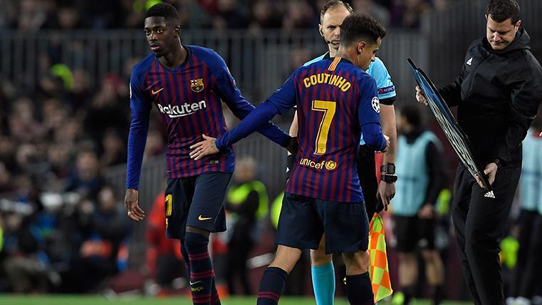 Alexis viajó con plantel del United a Barcelona
