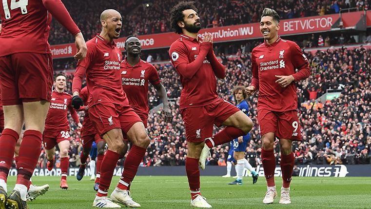 Mané y Salah le dan el triunfo y el liderato a un Liverpool que sigue el ritmo del Manchester City