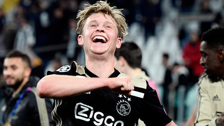 Frenkie de Jong celebra el pase del Ajax a semifinales