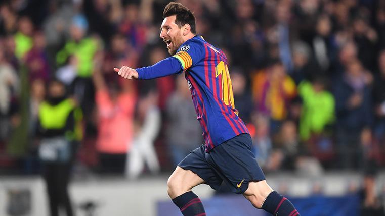 Leo Messi celebra su gol contra el Manchester United