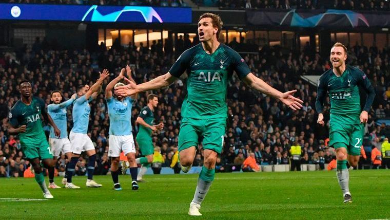 Fernando Llorente celebra un gol con el Tottenham