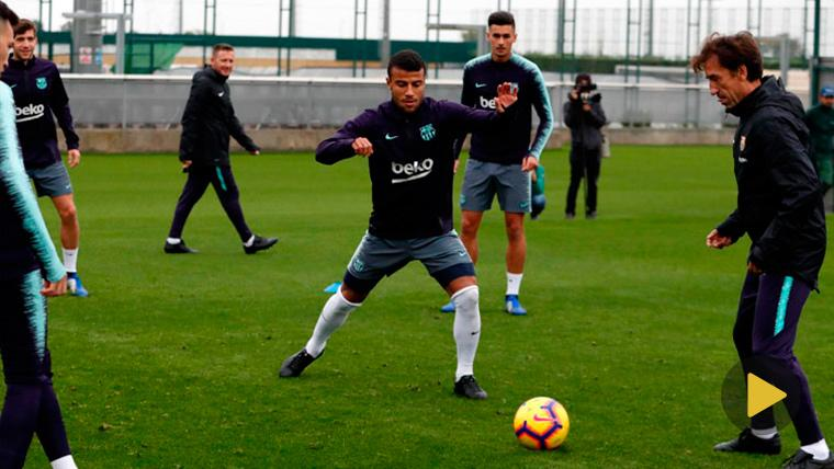 Rafinha ya corre sobre el césped de la Ciudad Deportiva del Barça