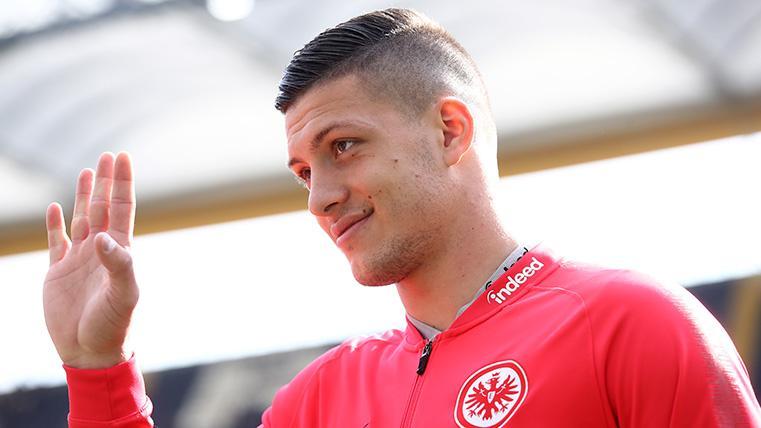 Jovic ya es del Eintracht y está cada vez más cerca de fichar por el Real Madrid