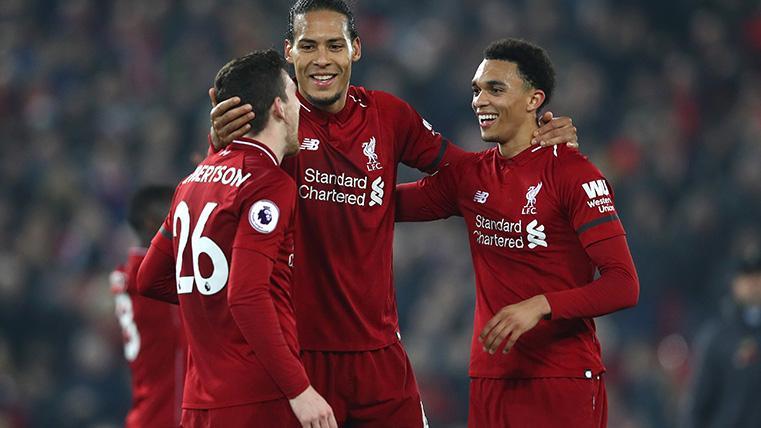 Los carrileros, el otro gran peligro del Liverpool: Arnold y Robertson suman 20 asistencias