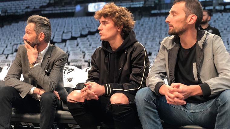Griezmann aprovecha su sanción con el Atlético para marcharse a Brooklyn a ver la NBA