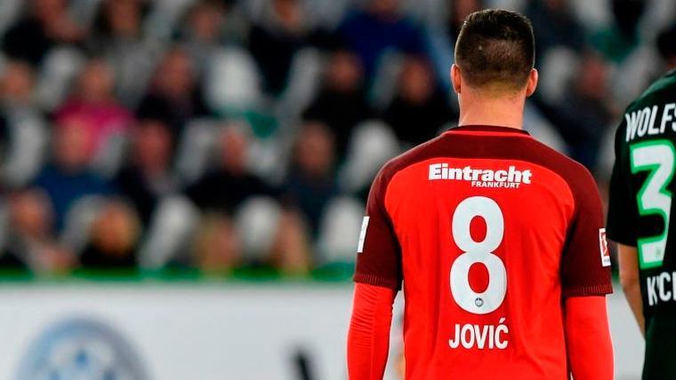El Eintracht confirma que el Real Madrid está muy cerca de fichar a Jovic
