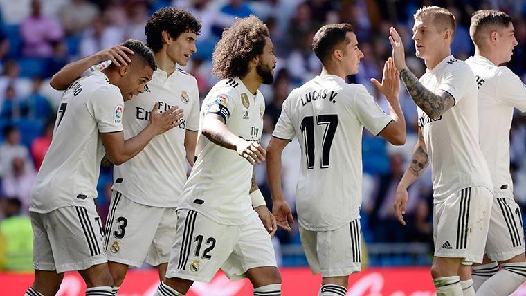 El Real Madrid se divierte en el Bernabéu y vuelve a la senda de la victoria (3-2)
