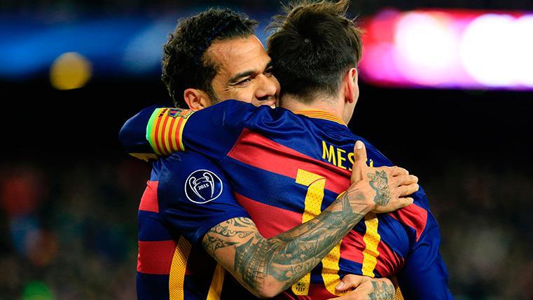 """Alves defiende a Messi: """"Si hay alguien del que no se puede hablar mal es de Leo"""""""