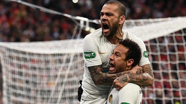 """Alves, sobre el futuro de Neymar: """"Tiene un compromiso con el PSG y debe respetarlo"""""""