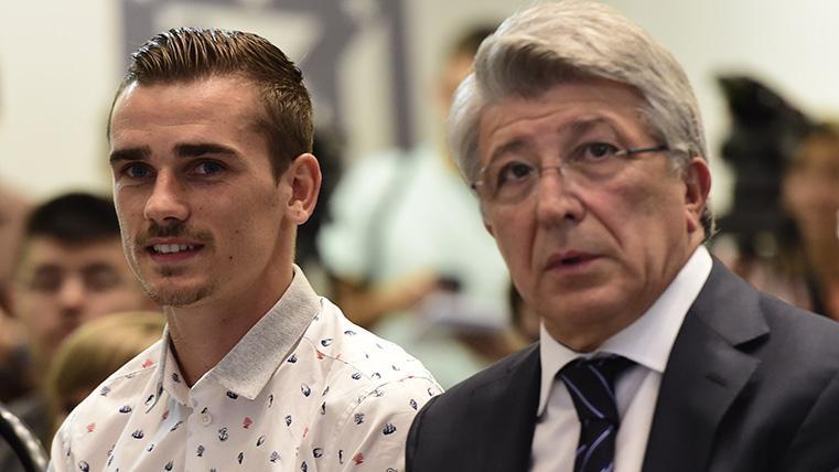Antoine Griezmann, junto a Enrique Cerezo en una imagen de archivo