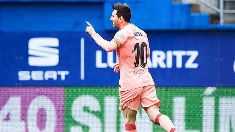 Leo Messi celebra su gol contra el Eibar