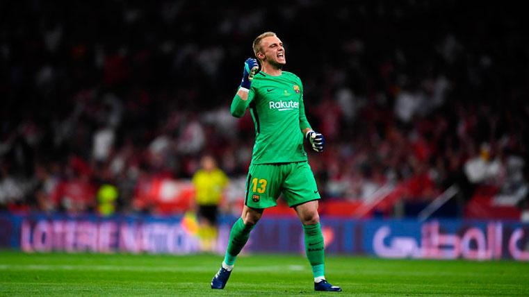 El traspaso de Jasper Cillessen al Benfica sigue en punto muerto