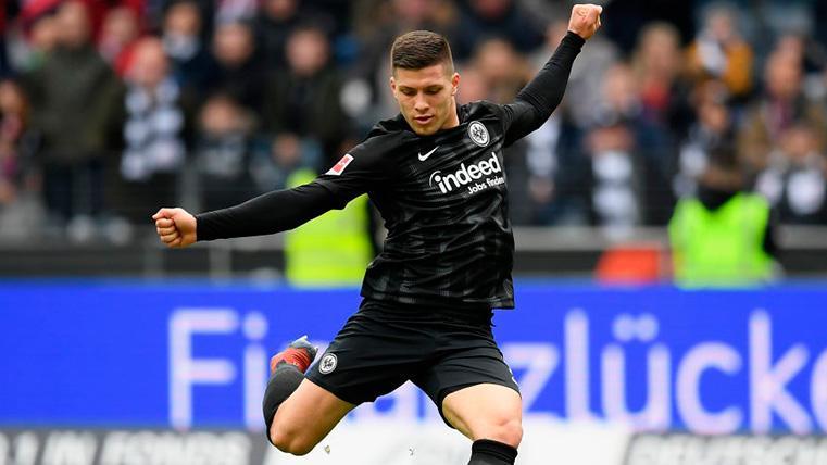 Luka Jovic marcó en la que podría ser su despedida como jugador del Eintracht