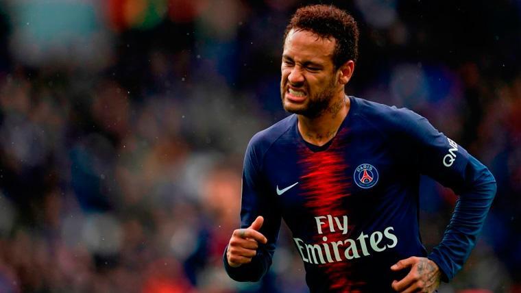 Neymar en un partido con el Paris Saint-Germain