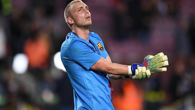 El FC Barcelona niega que esté negociando con el Valencia por Jasper Cillessen