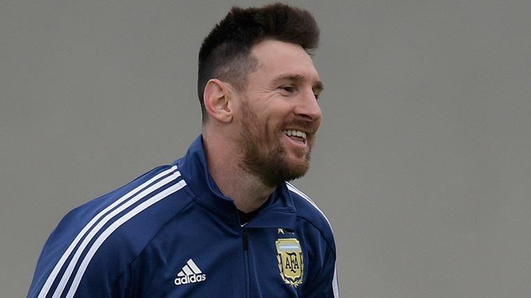 Leo Messi en un entrenamiento con Argentina