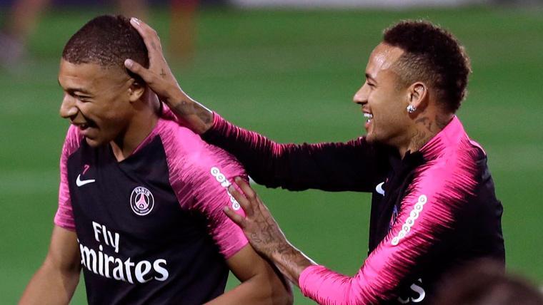 Mbappé espanta los rumores de divorcio y envía un mensaje de apoyo a Neymar