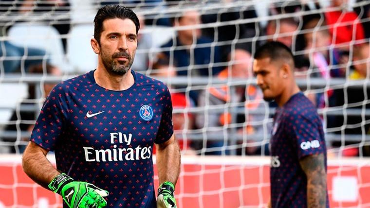 En Italia aseguran que Buffon podría ser el sustituto de Cillessen, pero el Barça lo niega