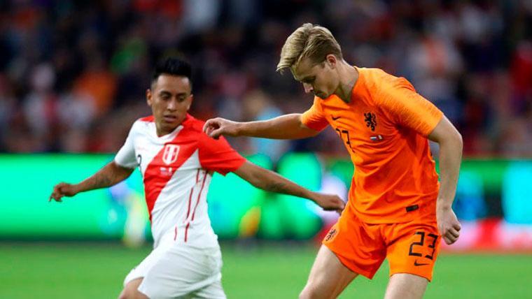 De Jong sigue brillando... ¿Debe temblar Busquets o Rakitic?