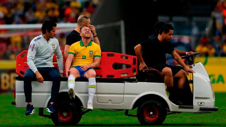 ALARMA: Preocupante lesión de rodilla de Arthur con Brasil