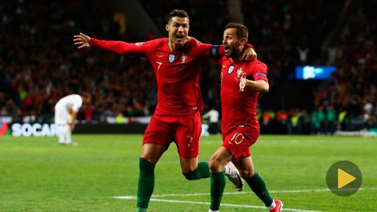 Cristiano Ronaldo y Bernardo Silva celebran un gol de la selección de Portugal