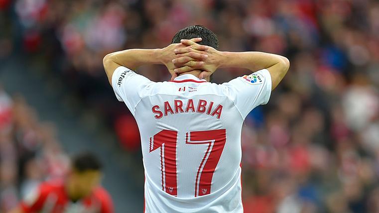 Pablo Sarabia, llevándose las manos a la cabeza tras una ocasión fallada