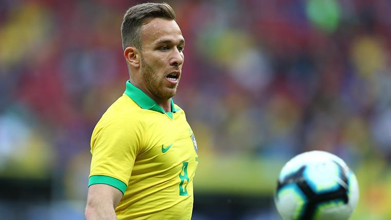 Arthur Melo, durante un partido con la selección de Brasil