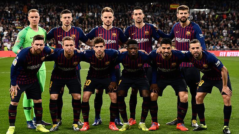 Dilema en la afición del Barça sobre el futuro centro del campo