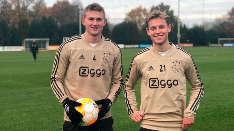 De Jong y Cillessen estarían tratando de convencer a De Ligt de fichar por el Barcelona