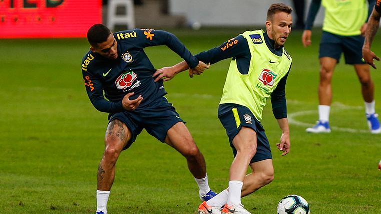 "Arthur deshace la polémica Barça-Brasil: ""Tienen dos estilos diferentes"""