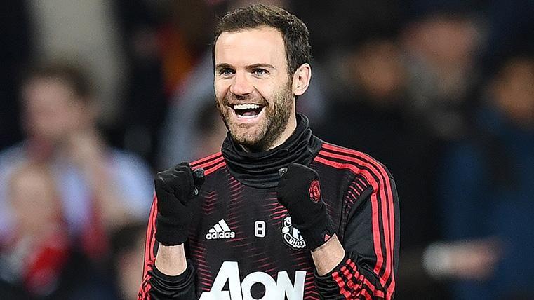 Mata renueva con el United y seguirá en Old Trafford la próxima temporada