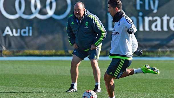 """El vestuario del Real Madrid """"amenaza"""" a Rafael Benítez"""