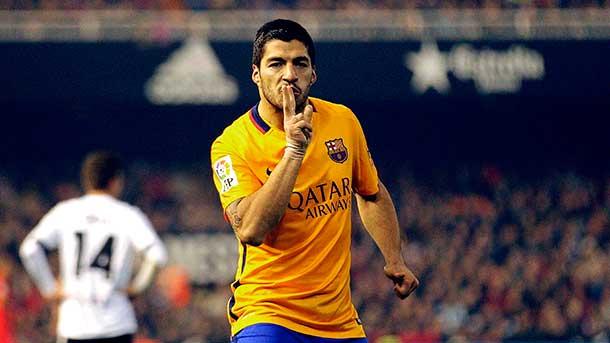 Suárez mejora en el Barça los recitales de Alexis en Londres