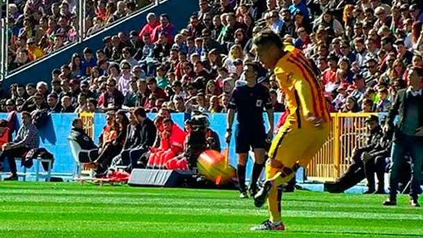 Neymar Jr dejó otro control mágico para la galería ante el Levante
