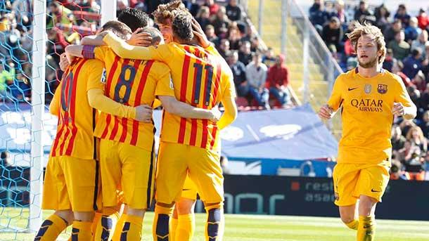 Las bandas volvieron a funcionarle al Barça ante el Levante