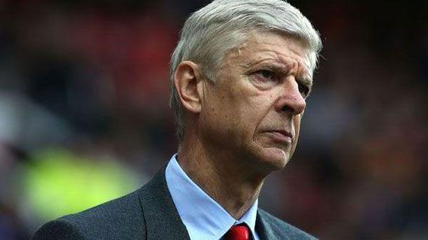 Wenger no quiere oír hablar del Barça antes de Champions