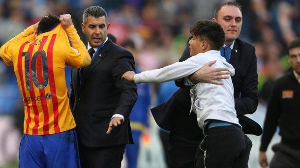 La seguridad de M�laga se qued� la camiseta de Messi