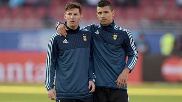 "Agüero, sobre Messi: ""Ojalá venga al Manchester City"""