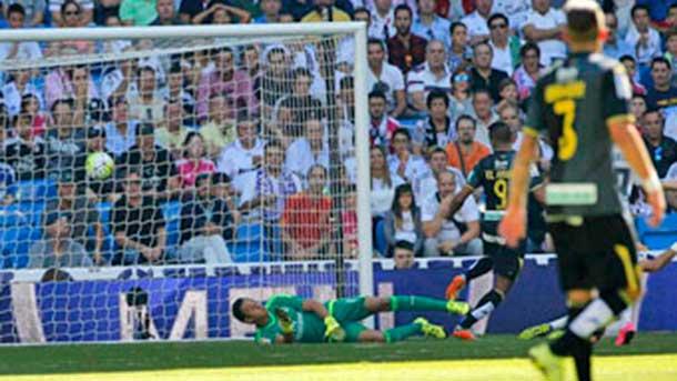 Siguen las sonrojantes ayudas arbitrales al Real Madrid