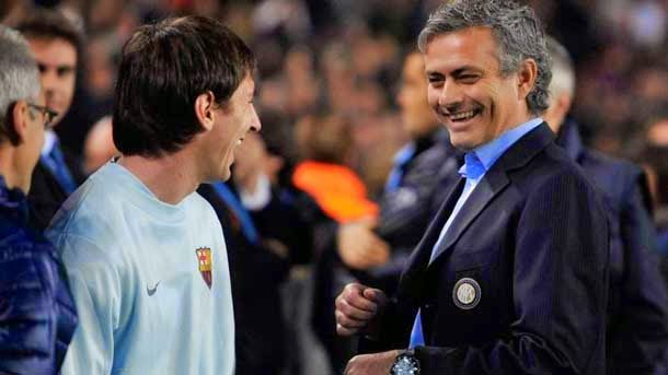 Mourinho, junto a Leo Messi.
