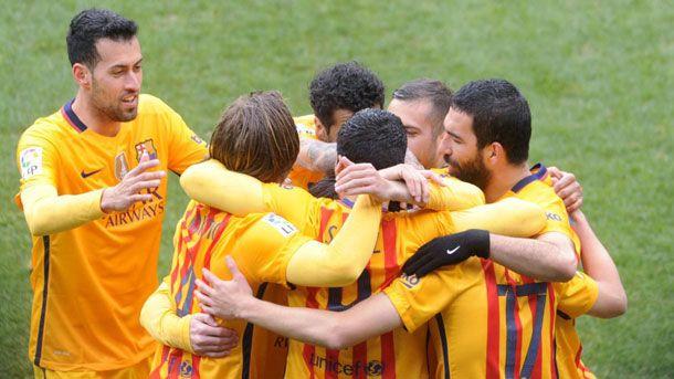 """""""Doblete"""" de Messi y nueva goleada del Barça en una Liga muy favorable (0-4)"""