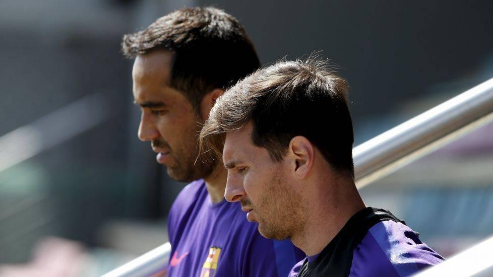 S�lo Messi ya le ha hecho diez goles a Claudio Bravo de local
